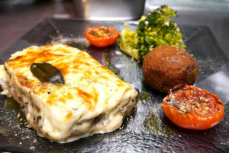 Wild mushroom and smoked mozzarella Lasagne, broccoli and sesame salad, arancino